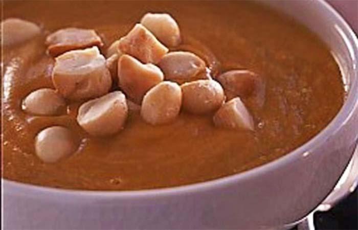 Món soup khoai lang với hạt mắc ca