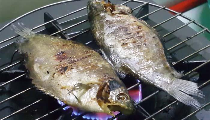 Món khô cá sặc nướng
